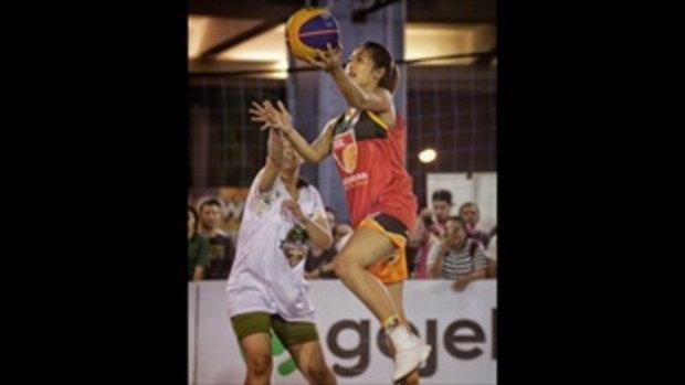 ดีกรีนางงาม! นูร์คาห์ย่า นักบาสเกตบอลสวยเซ็กซี่ที่สุดในอาเซียน