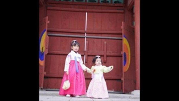 เบนซ์-มิค จูงมือลูกสาวเที่ยวเกาหลี ทริปนี้แอบหวาน นานๆ มีรูปคู่