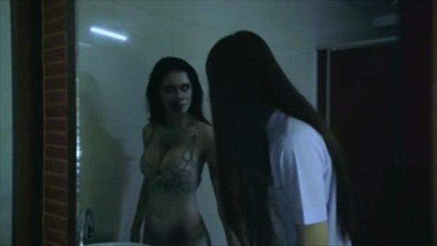 หนุ่มๆ กลัวไหม น้องแน๊ต เกศริน แต่งผีรับฮาโลวีน