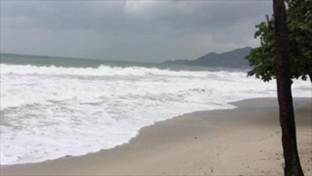ภาพล่าสุดเช้าวันนี้ (4 ม.ค.) เกาะสมุยเผชิญคลื่นลมแรง พายุปาบึกเคลื่อนตัวใกล้เข้ามา