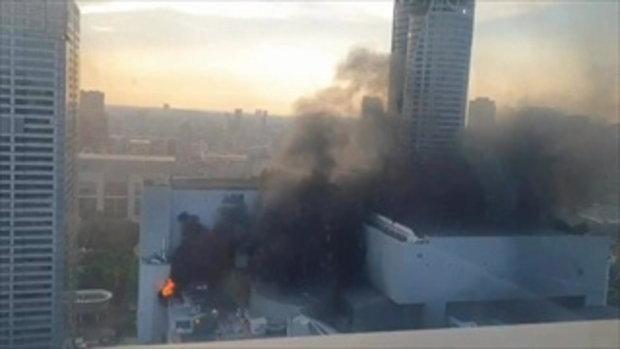 เกิดเหตุไฟไหม้ที่ห้างเซ็นทรัลเวิลด์ เขตปทุมวัน กรุงเทพ