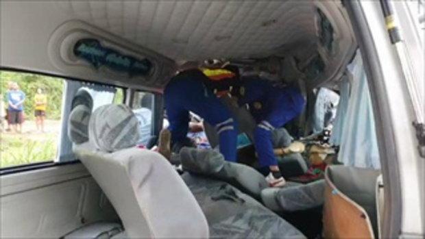 รถตู้แฟนบอลสโมสรสิงห์ท่าเรือชนประสานงาเสียชีวิต 5 ราย