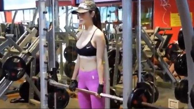 """ที่มาของความเซ็กซี่เจ้าแม่หนังอีโรติก """"น้องแน๊ต"""" ออกกำลังกายหนักมาก"""