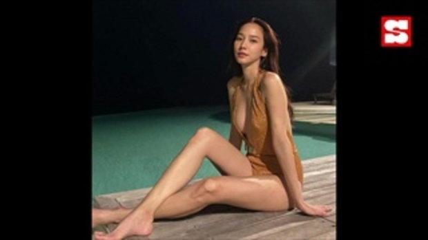 อั้ม พัชราภา แหวกอกลึก เซ็กซี่จัดเต็มในชุดวันพีซ เล่นน้ำอาบแสงจันทร์กลางดึก