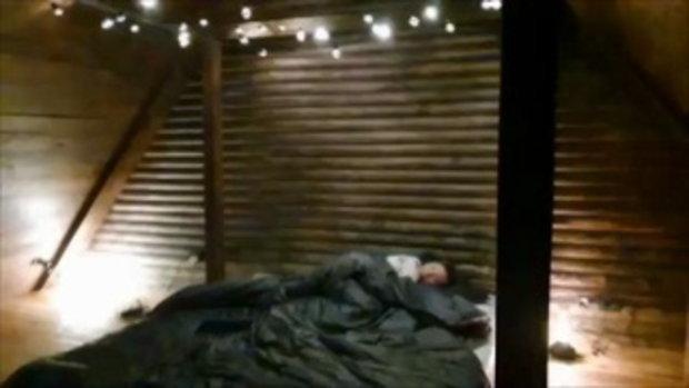 เปิดห้องนอนใต้หลังคาของ