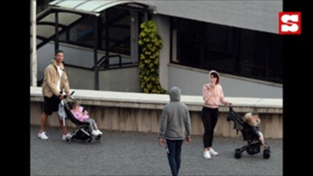โดนจวกยับ! โรนัลโด้ ควง หวานใจ+ลูกน้อย เดินเล่นไม่หวั่นโควิด-19