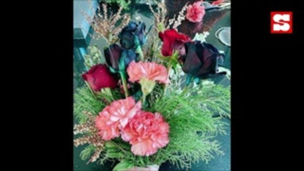 หยาดทิพย์ โชว์จัดดอกไม้วันว่าง แต่จุดสนใจไปอยู่ตรงบันไดแก้วในบ้านที่สวยมาก