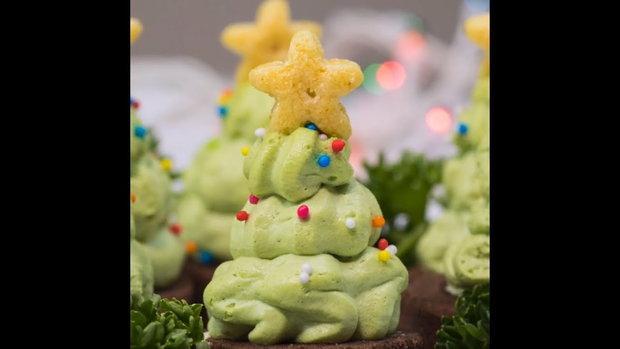 คริสต์มาสเค้กชาเขียว Green Tea Christmas Cake