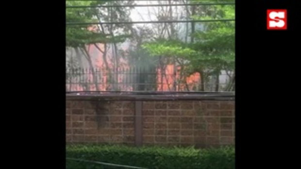ไฟไหม้ข้างหมู่บ้าน