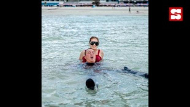 เปิ้ล นาคร ลงภาพหวาน จูน กษมา ขี่คอกลางทะเล แต่แคปชั่นหักมุมสุด