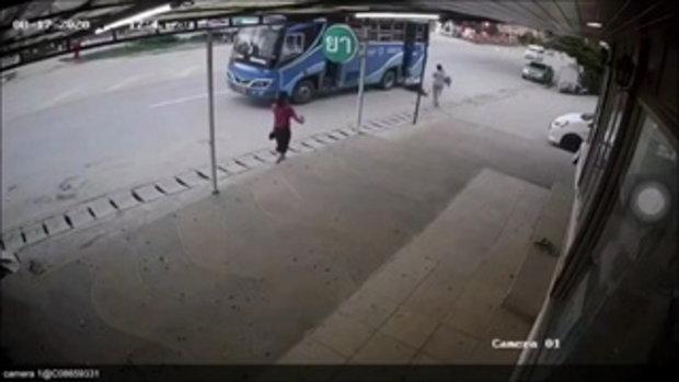 ลุงเพิ่งฟอกไต ตกรถเมล์บาดเจ็บ คนขับรับปากกับตำรวจจะเยียวยา-สุดท้ายส่อแววชิ่ง