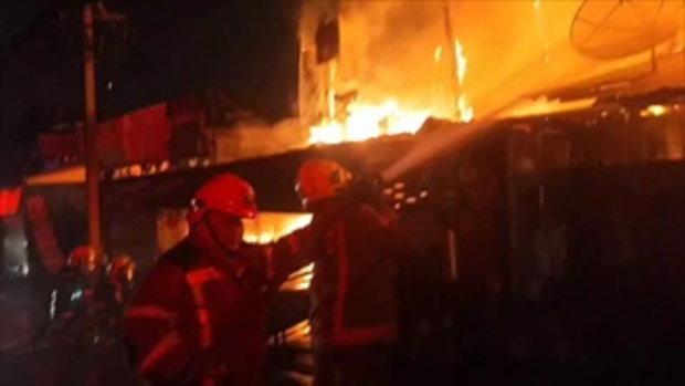 ไฟไหม้ชุมชนตลาดดอนเมืองวอดกว่า 50 หลัง