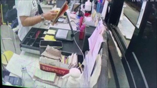 กล้องจับโป๊ะ! แคชเชียร์สาวแสบ ยักยอกเงินร้านอาหารดัง 2 ล้าน จนถอยรถใหม่ป้ายแดงได้