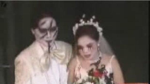 งานเเต่งานเเบบฮาโลวีน