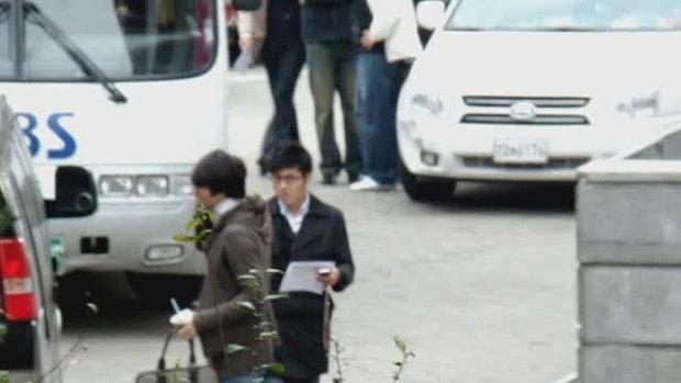 แอบตามหนุ่มๆ ดงบังชินกิ ไปทำงาน