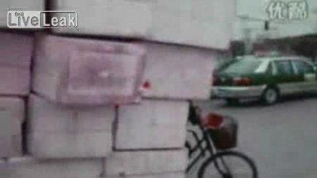 จักรยานหรือรถบรรทุกกันนะนั่น!?!