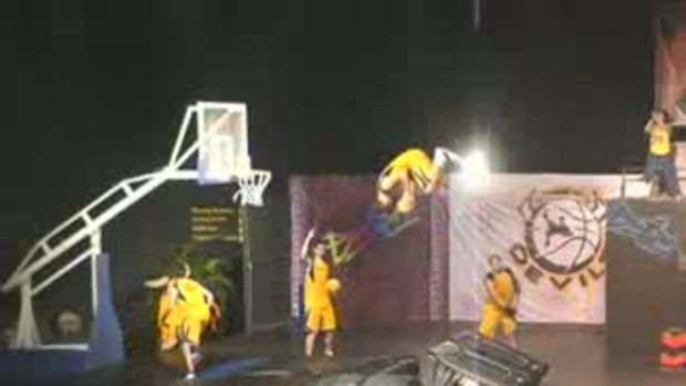 Slam Dunk VS Moto Action...!