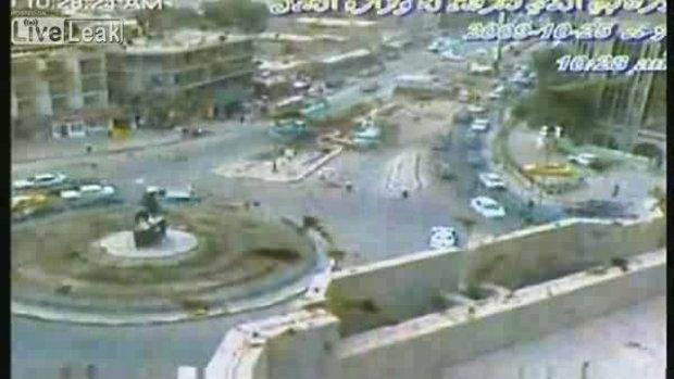 ระเบิดคาร์บอมกลางถนน สยอง