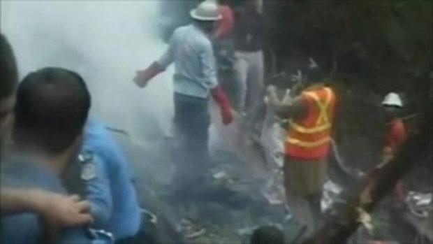 เครื่องบินตกในปากีสถานตาย 152 ศพ