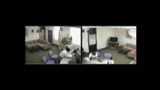 คลิป ตำรวจฉาว มั่วสาวในห้องทำงาน