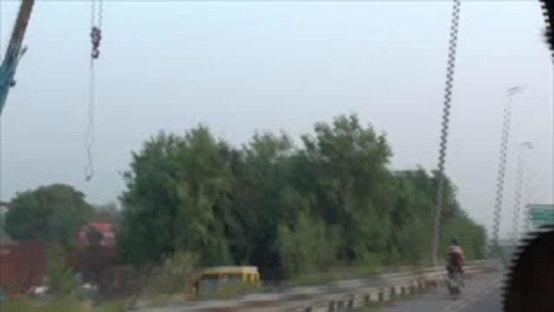 เจโอ๋เวสป้าผจญภัย-ตะลุยถนนอินเดียเดินทางหาที่พัก