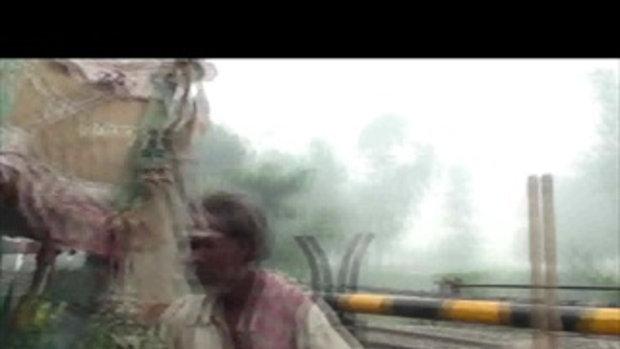 เจโอ๋เวสป้าผจญภัย-ติดทางรถไฟที่เมืองคาซิปู๊(อินเดี