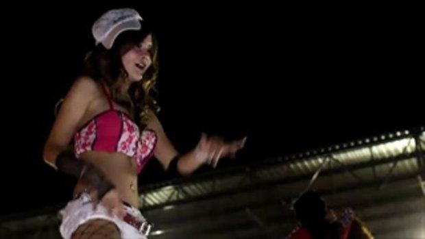 มอเตอร์โชว์ 2011 - Sexy coyote dancer in pink