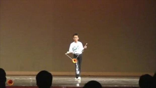 เด็กจีนโชว์เทพ เล่นลูกข่าง
