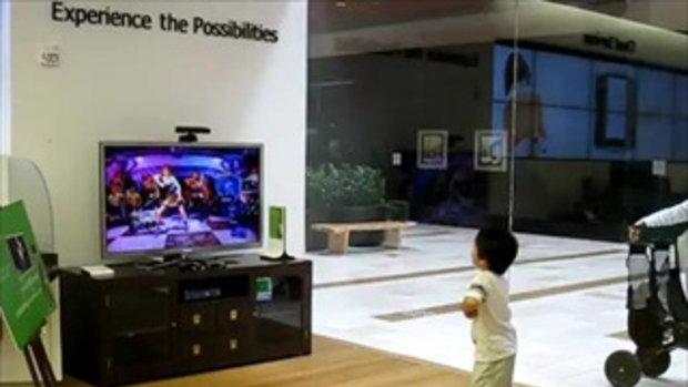 หนูน้อยขาแดนซ์กับเกมส์ Xbox Kinect เต้นเป๊มากกก!