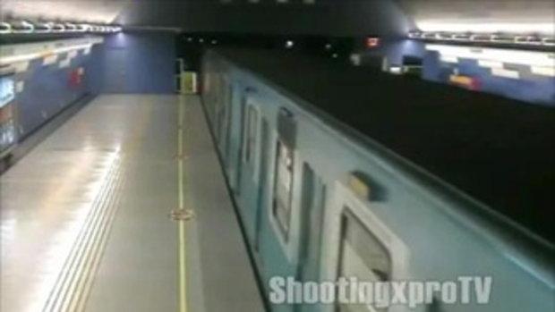 จ่อยิงบนรถไฟใต้ดิน ที่ชิลี