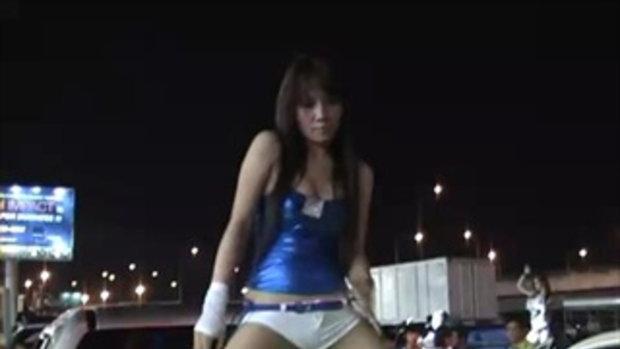 Bangkok Motor Show 2011 Sexy Coyote 14