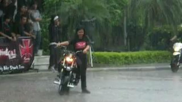 KSR มันๆ กลางสายฝน