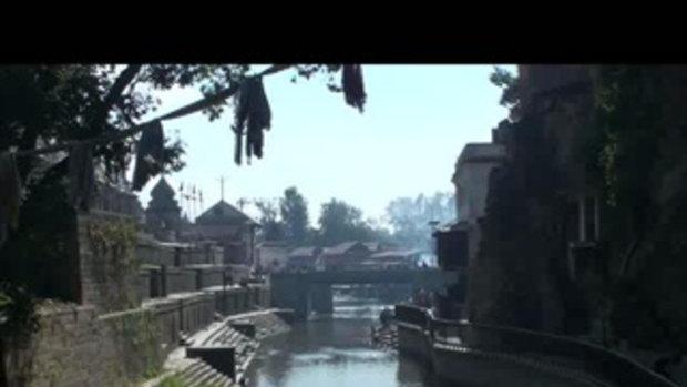 เจโอ๋เวสป้าผจญภัย- วัดปศุปตินาท คุยกับนักบวช Pashupatinath Temple