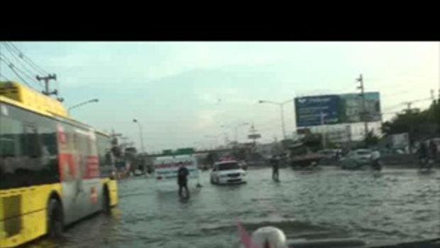 น้ำท่วมปทุมธานี ลำลูกกาท่วม เจโอ๋รายงาน 22ตุลาคม2554 no20111022160930.