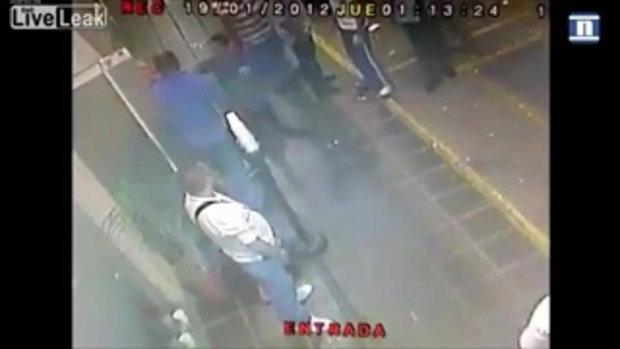 เหตุสลด ภาพตำรวจนอกเครื่องแบบ ถูกยิงหน้าผับ