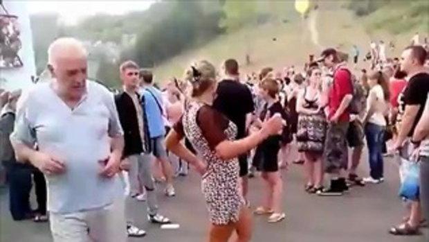 สาวเมายา! เต้นโชว์จนเกิดอารมณ์ทางเพศ
