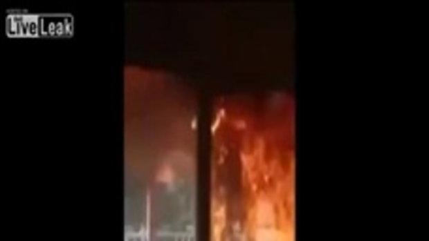ไฟไหม้บ้านแต่มัวถ่ายวิดีโอ