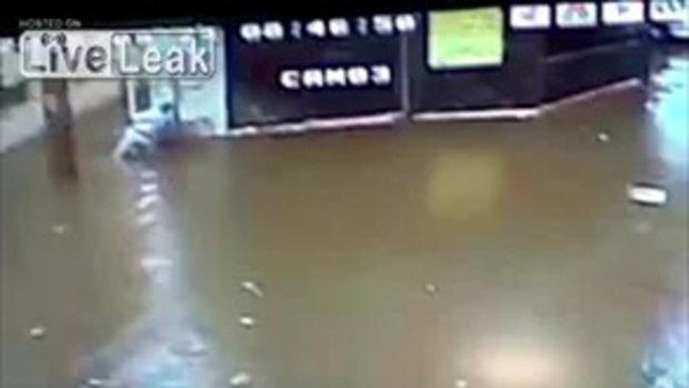 คนถูกไฟดูดในเหตุการณ์น้ำท่วมที่อิหร่าน