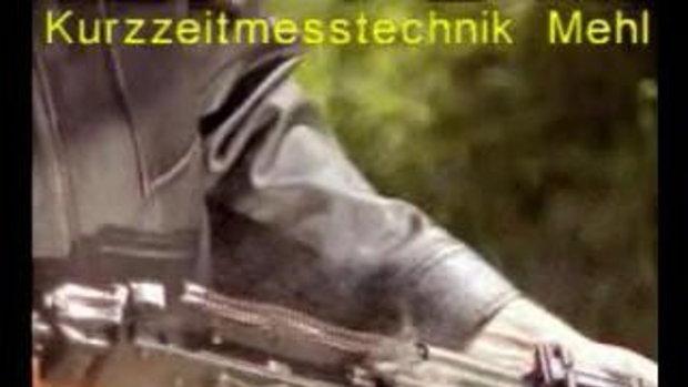 Slomotion การดีดกระสุนของปืน AK