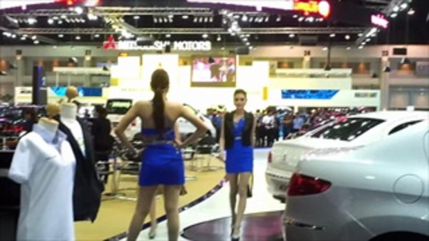 motor expo2012 fashion show - เปอร์โย