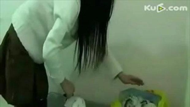 สาวชั่ว โชว์ นั่งทับกระต่ายจนแบนตาย ประจานตัวเอง
