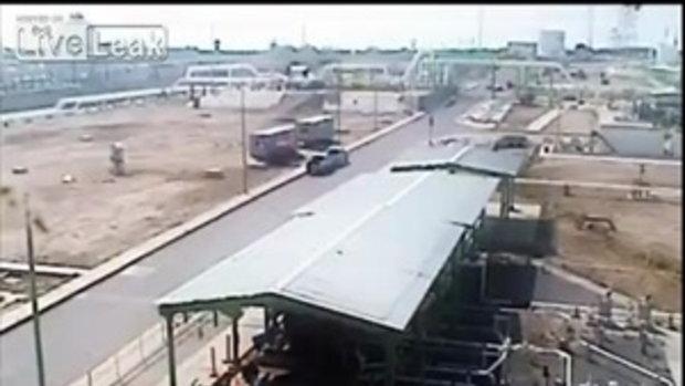 นาทีระเบิด โรงกลั่นน้ำมันระเบิด ที่เม็กซิโก