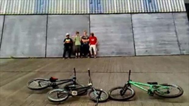 BMX Wallride...เท่ห์ดีอ่ะ   by sia.co.th