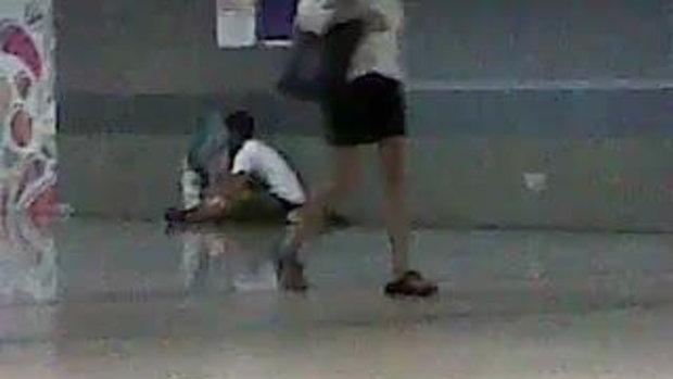 คลิปเสื่อม เด็กไทยพรอดรักกัน รถไฟฟ้าใต้ดิน จตุจักร