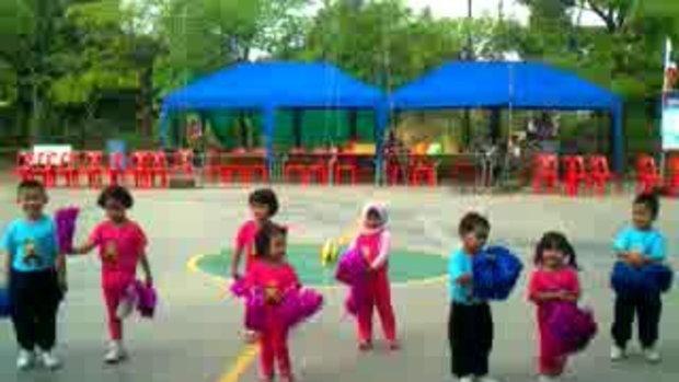 กังนัมสไต์ โดยเด็กๆจากนูรียาสคูลคิดส์