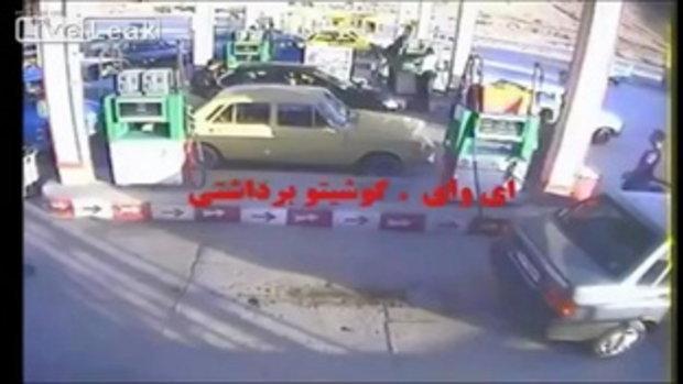 ปั๊มน้ำมันอิหร่านหวิดระเบิด! เติมน้ำมันอยู่ดีๆ ไฟลุกท่วมทั้งคันรถ
