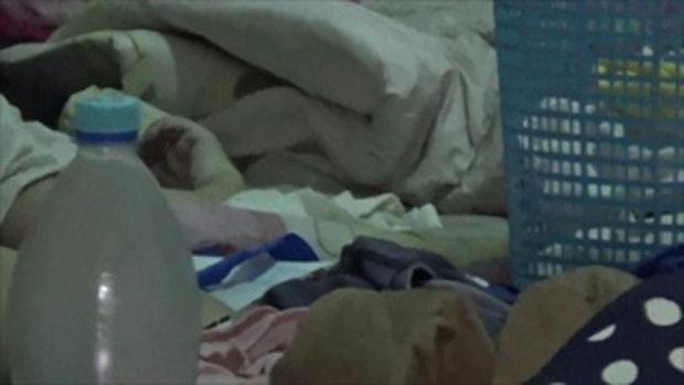 สลดทารกวัย 4 เดือน นอนดูดนมจากอกศพแม่ทั้งคืน