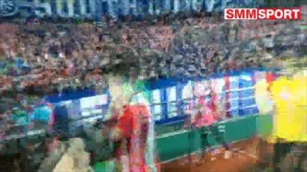 เอ้าโยน...แข้งทีมชาติไทยจับโค้ชซิโก้ โยนขึ้นฟ้า