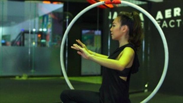 กระบี่มือหนึ่ง : นักเล่นห่วงยิมนาสติค Aerial hoop (21 มี.ค.59)