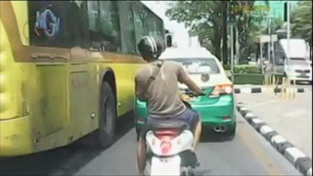 อย่าประมาท ดูไว้เป็นอุทาหรณ์รวมคลิปอุบัติเหตุบนถนนประเทศไทย
